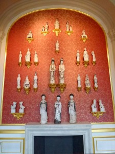 Blanc de Chine figures in the gallery presentation